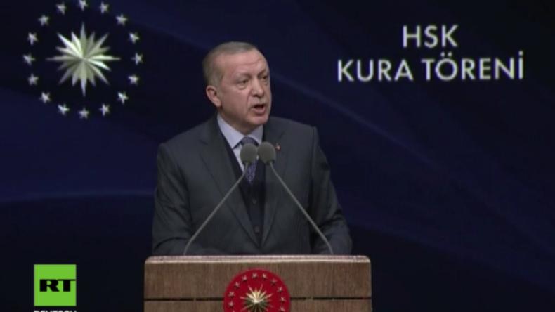 Erdoğan kündigt für Syrien weitere Städte-Offensiven an und droht mit Operation im Irak