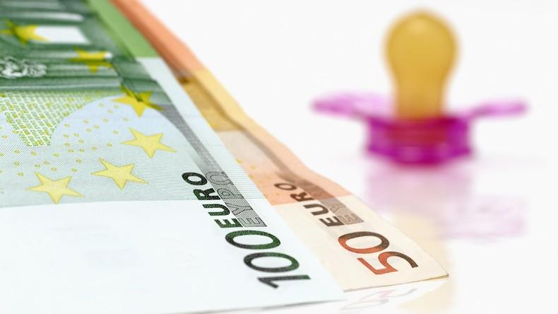 Knapp 350 Millionen Euro Kindergeld flossen im Jahr 2017 auf ausländische Konten