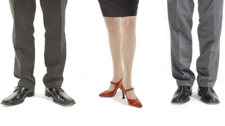 Bei Beförderung übergangen: Arbeitgeber zieht Frau vor – Österreicher bekommt hohe Entschädigung