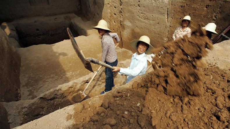 Lieber nicht trinken: Archäologen entdecken 2.000 Jahre alten Krug mit Flüssigkeit