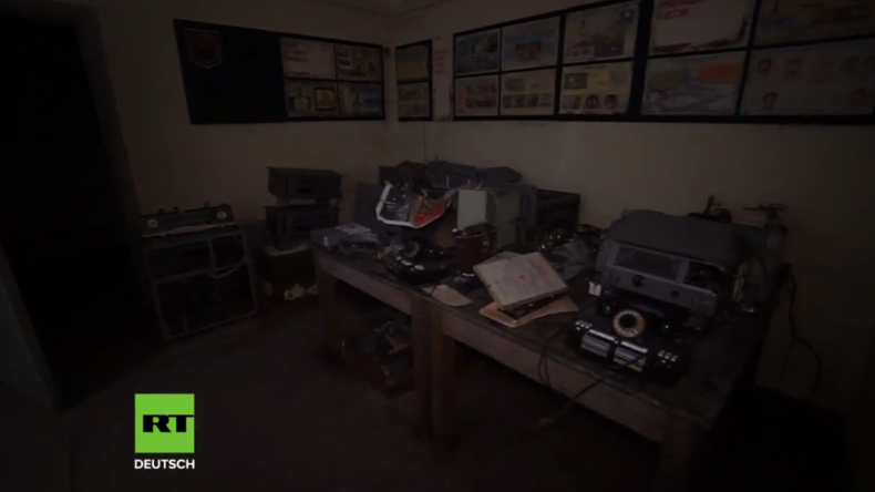 30 Jahre unentdeckt – Mann kauft Gebäude und findet im Keller Befehlsstand der Baltischen Flotte