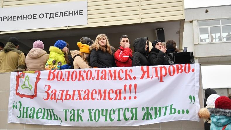 Deponiegas: Spontaner Protest nach Vergiftung mehrerer Kinder im russischen Wolokolamsk
