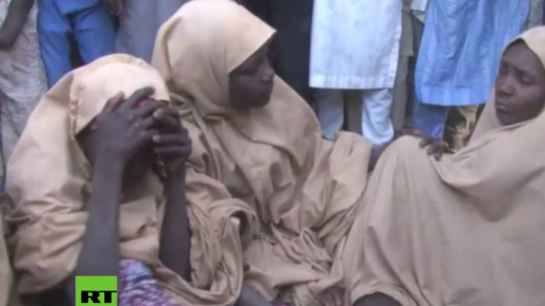 IS-Verbündete von Boko Haram lassen über 100 junge Schulmädchen aus Geiselhaft frei