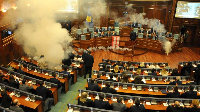 Kosovo: Opposition setzt Tränengas im Parlament ein