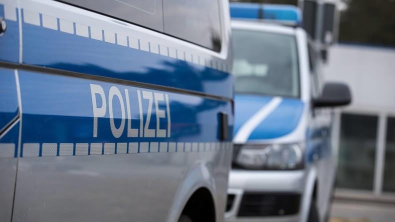 Rot, groß und 48 Tonnen schwer: Diebe stehlen in Stuttgart Autokran – Fahndung in ganz Europa