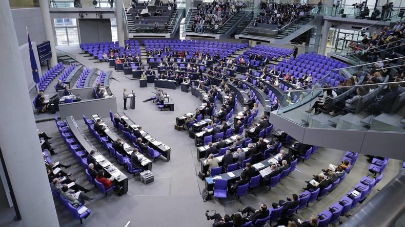 Bundestag stimmt für Truppenaufstockung in Afghanistan und Ausweitung der Anti-IS-Mission im Irak
