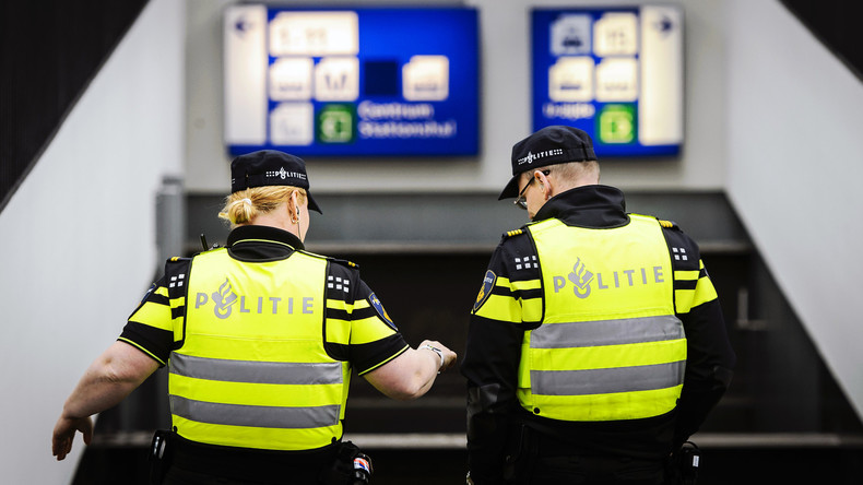 25 englische Fußball-Fans in Amsterdam festgenommen