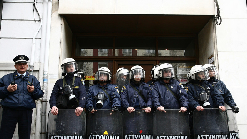 Polizei nimmt Schleuser und Dutzende Migranten in Griechenland fest