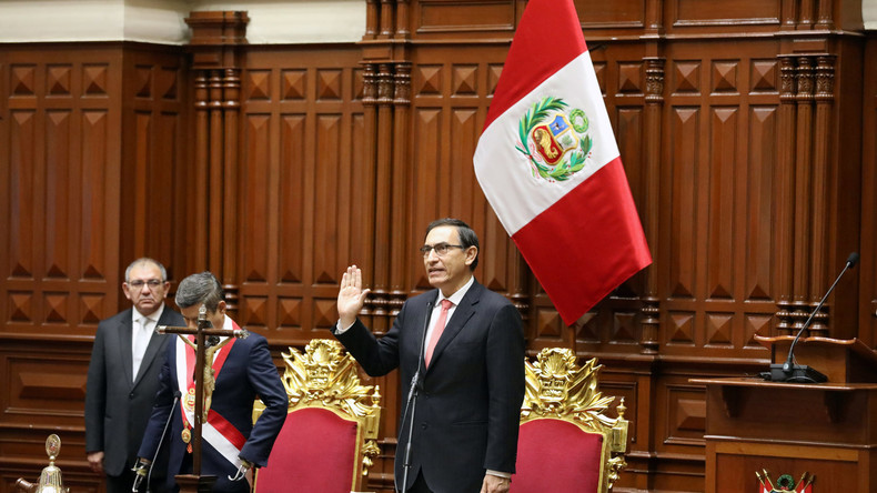 Martín Vizcarra als neuer Präsident Perus vereidigt