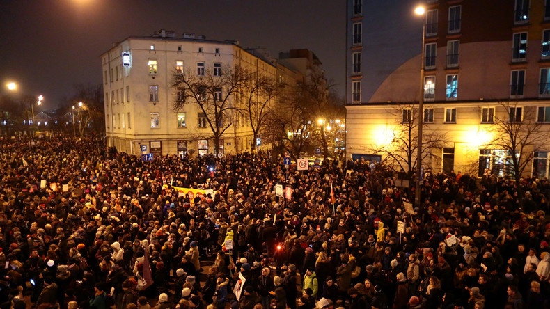 Polen demonstrieren gegen strengere Abtreibungsgesetze