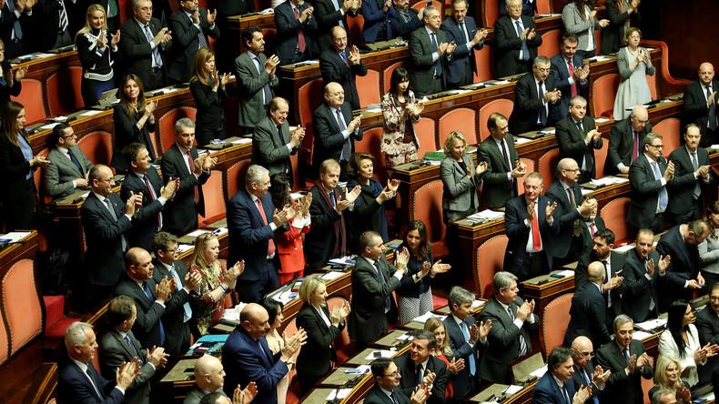 Italiens Parlament wählt Präsidenten: Silvio Berlusconi einigt sich mit Fünf-Sterne-Bewegung