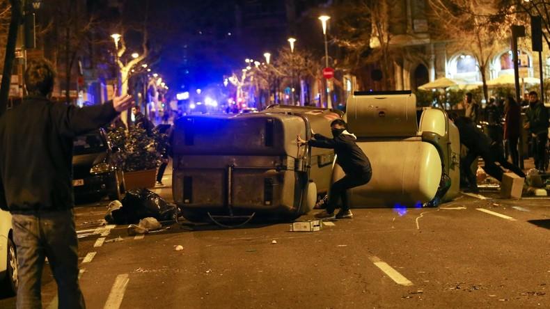 Proteste gegen Festnahme Puigdemonts - mindestens hundert Verletzte