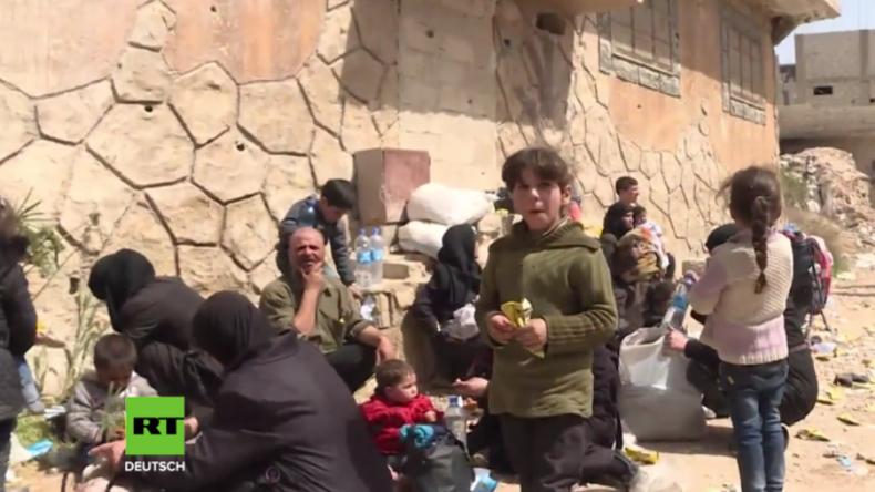 """Zivilisten aus Ost-Ghuta: """"Wir wollten schon lange fliehen, aber die Kämpfer ließen uns nicht"""""""