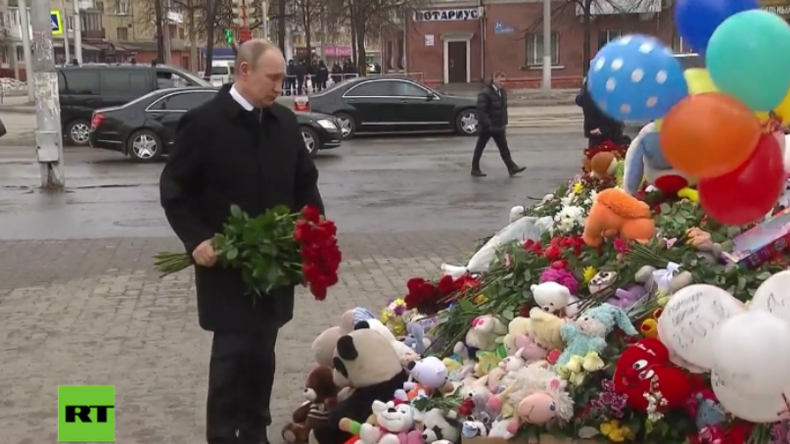 """""""Ich will brüllen, nicht weinen!"""" - Putin legt vor ausgebranntem Einkaufszentrum Blumen nieder"""