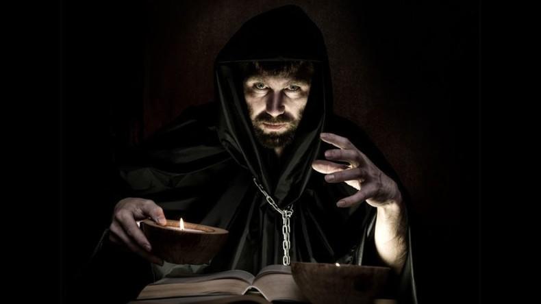Exorzismus heute: Wie eine russische Kirche Dämonen austreibt