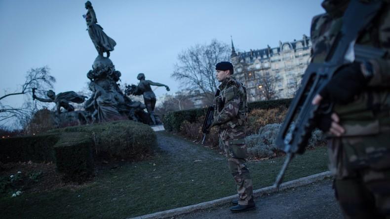 Mittagessen bei McDonald's kostete französischen Soldaten zwei Sturmgewehre
