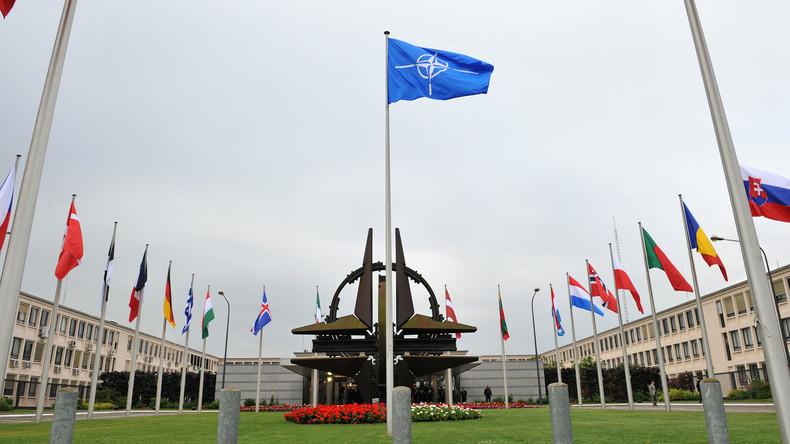 NATO lässt russische Diplomaten ausweisen: Zahl der Mitarbeiter um ein Drittel reduziert