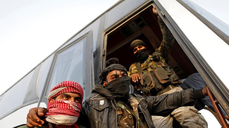 Syrien: Aufständische verlassen Ost-Ghuta unter Regierungsaufsicht