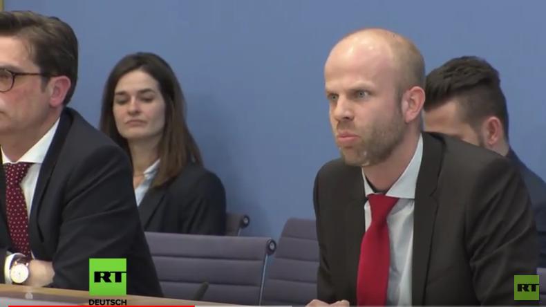 Regierungspressekonferenz: Russen können einfach vier neue Diplomanten schicken