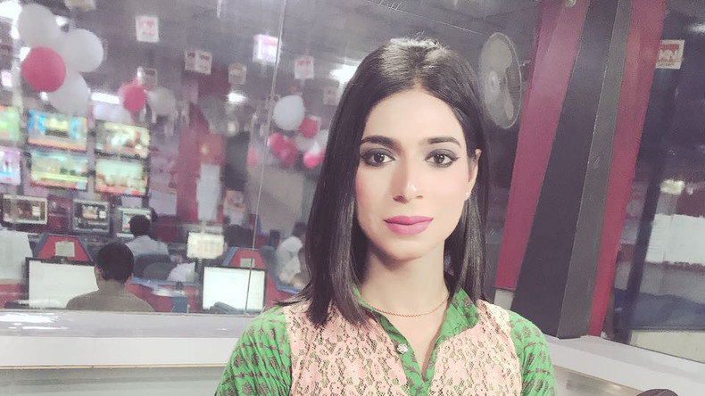 Von Catwalks zu Nachrichten: Landesweit erste Transgender-Person wird TV-Moderatorin in Pakistan