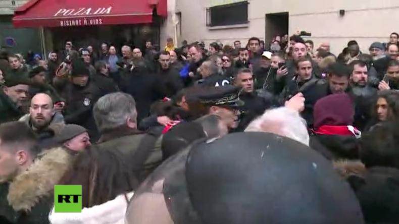 Paris: Marsch für ermordete Holocaust-Überlebende - Le Pen und Melenchon von Protestlern verjagt