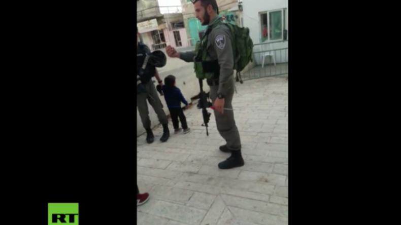 Ein dreijähriger Angreifer? Israelische Soldaten halten Kleinkind für angebliches Steinewerfen fest