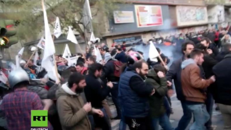 Griechenland: Schwere Zusammenstöße zwischen Polizei und linken Protestlern