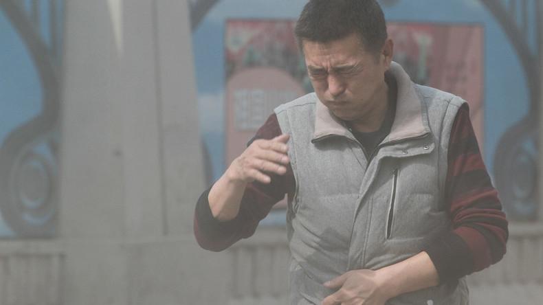 Apokalyptisch anmutender Sandsturm tobt über China und färbt den Himmel orange