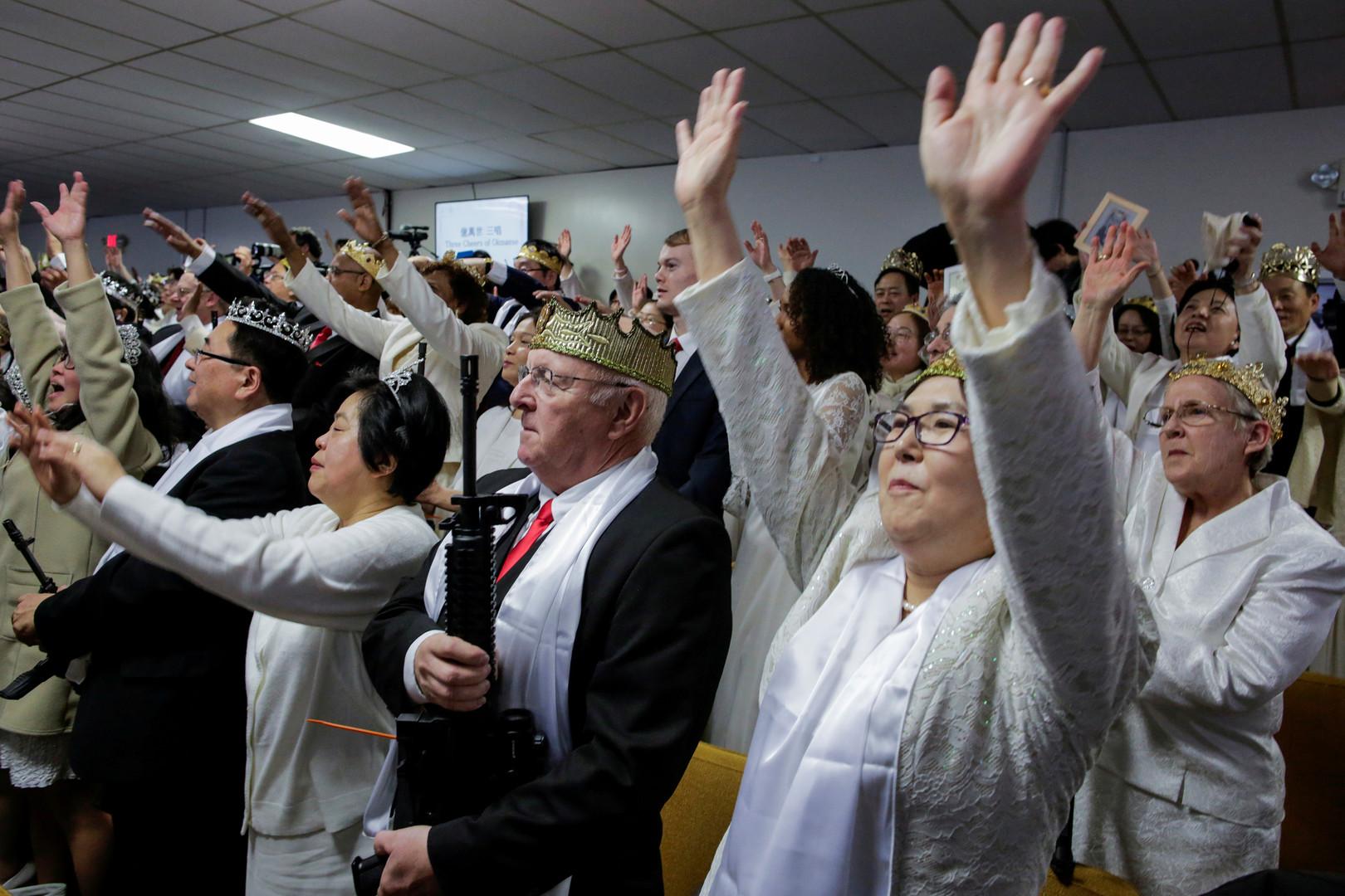 Ein Amen für die Schusswaffe: Amerikanische Gläubige nehmen ihre Waffen in die Kirche mit