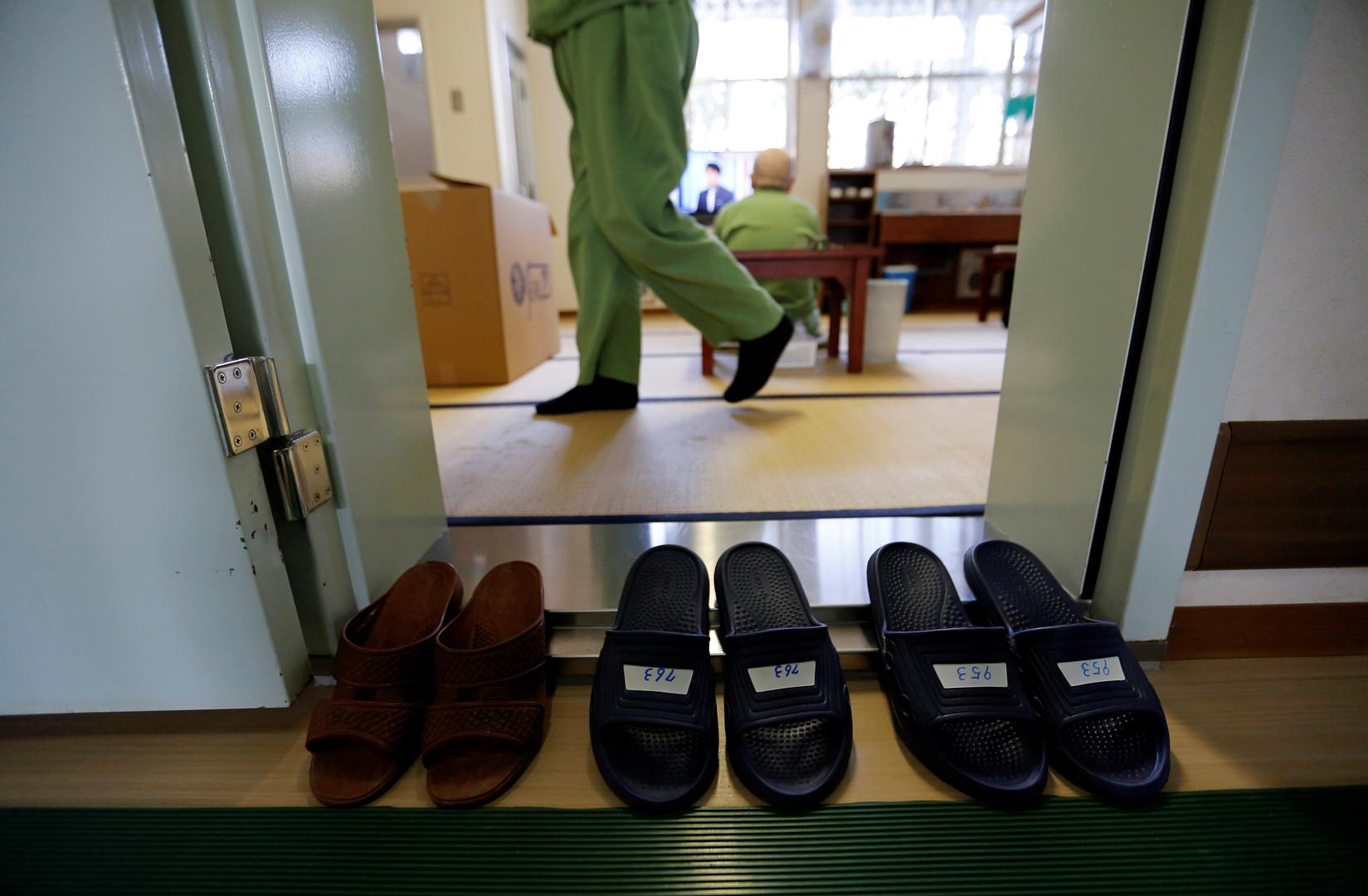 """Der 81 Jahre alte Insasse, der wegen Tötung eines Taxifahrers und Verletzung einer anderen Person zu lebenslanger Haft verurteilt wurde: """"Ich hatte einen Herzfehler und kollabierte oft in der (Gefängnis-)Fabrik""""."""