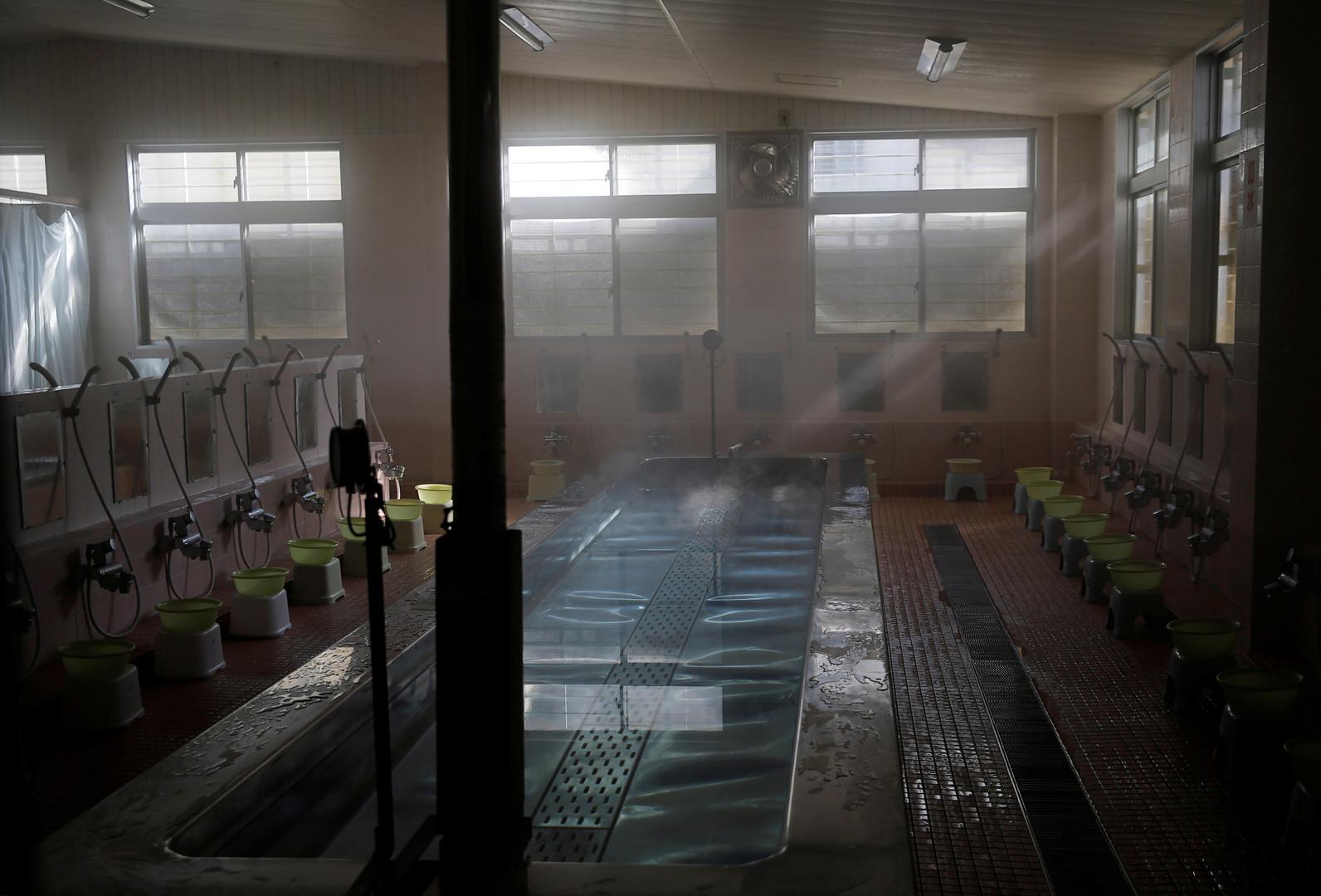 Ein Waschraum des Gefängnisses. Die meisten Insassen teilen sich mit drei bis vier anderen Gefangenen eine Zelle.