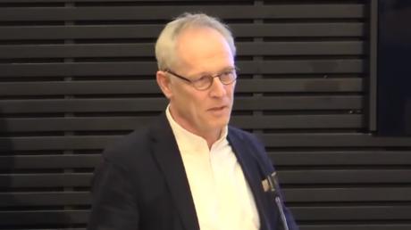 Jörg Baberowski ist seit 2002 Professor für Geschichte Osteuropas an der Humboldt-Universität zu Berlin. Baberowski ist zudem Experte für die Geschichte der Sowjetunion und des stalinistischen Terrors.