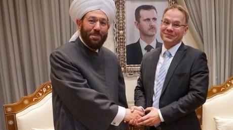 Der nordrhein-westfälische AfD-Landtagsabgeordnete Christian Blex mit einem syrischen Großmufti in Damaskus.