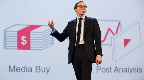 Cambridge-Analytica-Chef Alexander Nix während eines Vortrags in Hamburg.