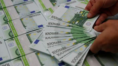 Der Steuerzahlerbund prangert auch Großprojekte des Verteidigungsministeriums an - etwa sechs Milliarden Euro für