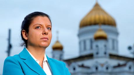Margarita Simonjan in Moskau während einer Pressekonferenz am 16. Oktober 2016. Auf dem Hintergrund: Christus Erlöser Kathedrale in Moskau.