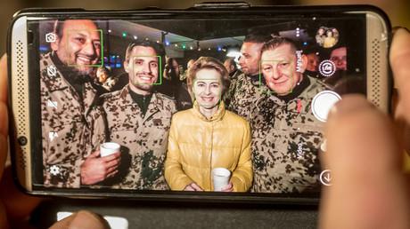 Verteidigungsministerin von der Leyen, Camp Marmal in Masar-i-Scharif, Afghanistan, 18. Dezember 2017.