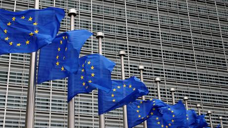 EU-Flaggen auf Halbmast in Gedenken der Opfer des Terroranschlags in Brüssel, Belgien, 18. August 2017.