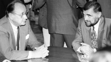 Der damalige deutsche Außenminister Hans-Dietrich Genscher zu gast in Belgrad bei Stjepan Mesić. Der Kroate war bis zum Oktober 1991 der letzte Präsident der Sozialistischen Föderativen Republik Jugoslawiens.