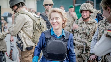 Die Verteidigungsministerin bei ihrem jüngsten Truppenbesuch in Afghanistan.