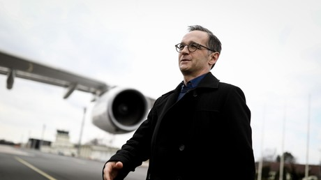 Deutschlands Außenminister Heiko Maas am 27. März 2018 am Flughafen Tegel.  Nach seinem Besuch in Israel ging es für Maas gleich nach New York zu den Vereinten Nationen.