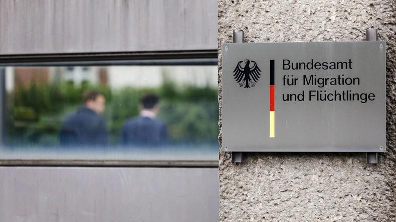 Mehr als 1.000 türkische Beamte und deren Familienangehörige beantragen Asyl in Deutschland