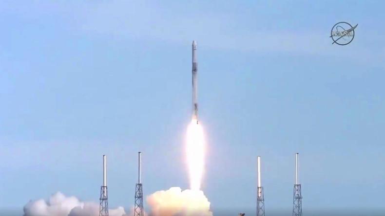 """SpaceX-Raumfrachter """"Dragon"""" mit Nachschub zur ISS gestartet"""