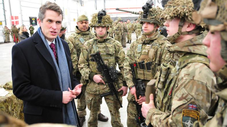 """US-Autor warnt vor britischer Eskalationstaktik: """"Europas Kriegsgeilheit ist nicht unser Problem"""""""