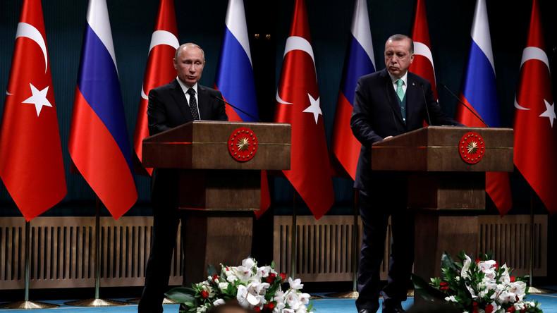 LIVE: Wladimir Putin auf Staatsbesuch in der Türkei - Empfangszeremonie in Ankara