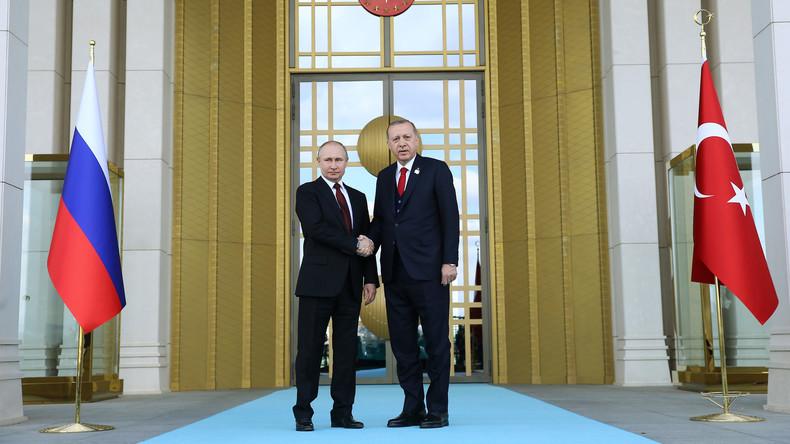 LIVE ab 18 Uhr: Putin und Erdogan halten Pressekonferenz im Anschluss ihres Treffens in Ankara