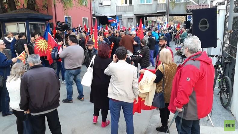 Mazedonien: Hunderte protestieren gegen Ausweisung von russischem Diplomaten im Fall Skripal
