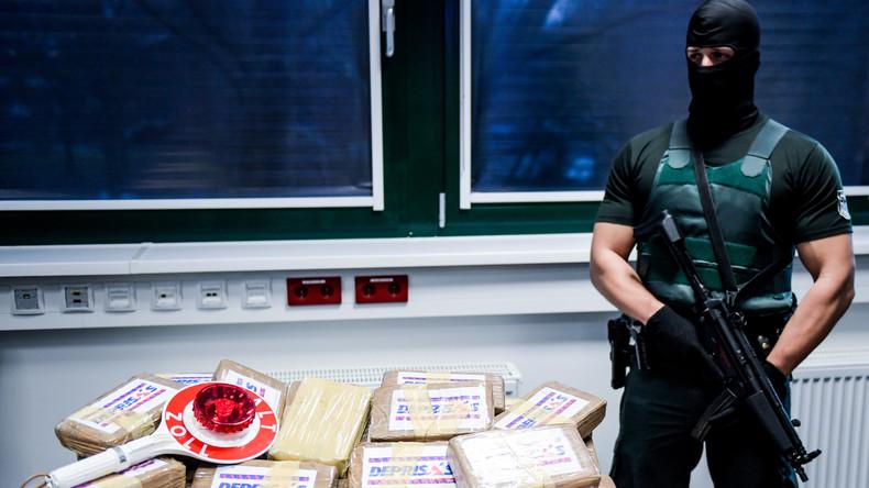 Drogenschmuggler mit Kokain für fast 700.000 Euro im Auto gefasst