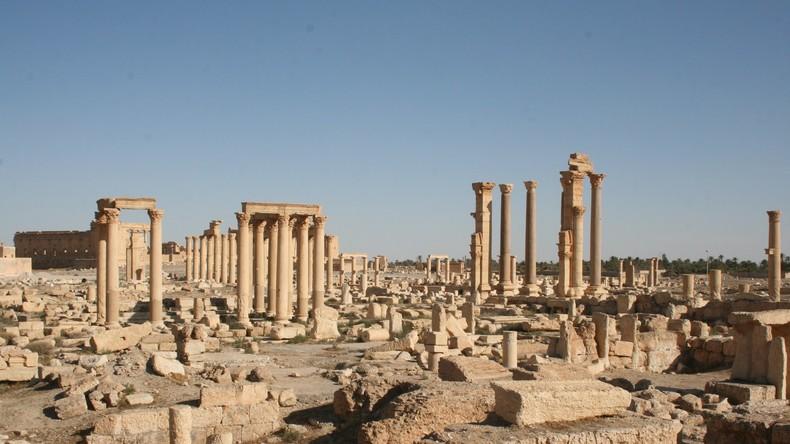 Islamischer Staat zerstört Teil des Römischen Theaters und Tetrapylon in Palmyra