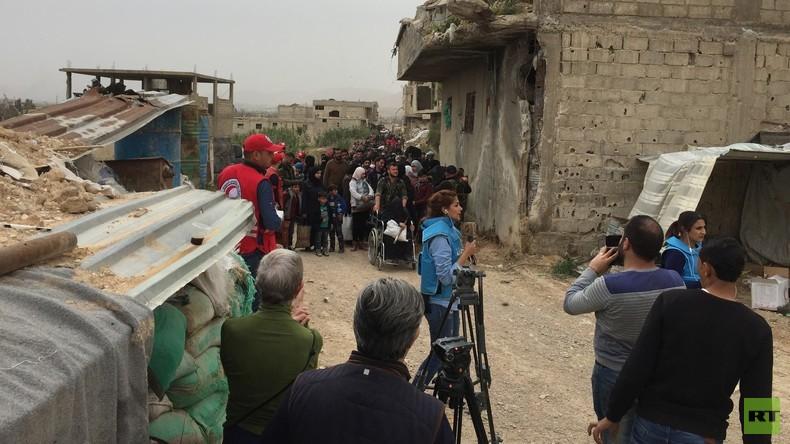 Ost-Ghuta: Abzug der Islamisten verläuft schleppend - und sie hinterlassen verbrannte Erde